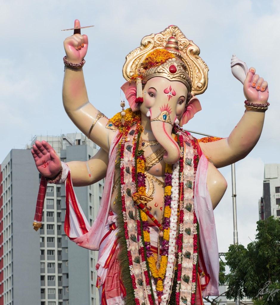 Ganesh idol parades to the visarjan