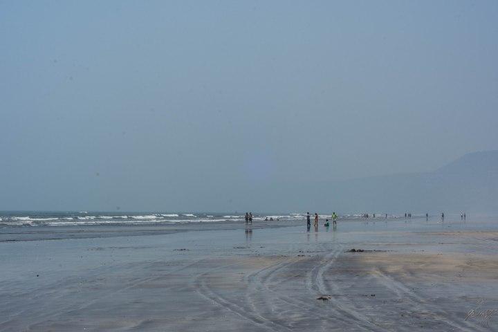 The wide Diveagar Beach