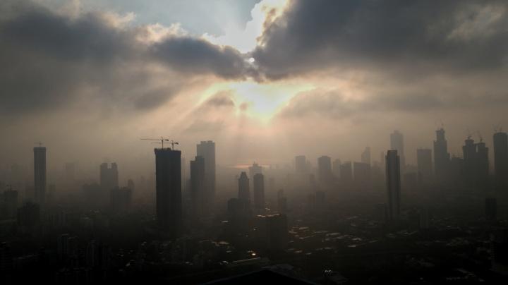 Mumbai Skyline, Clouds, Sun, Silhouette